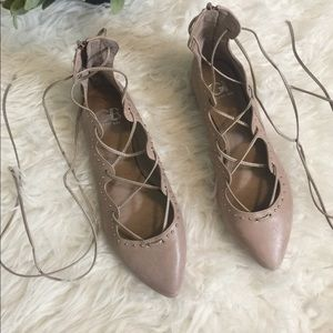 NWOT Gianni Bini taupe wrap up tie flats